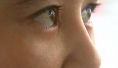 植发烧伤眼角膜?美女欲哭无泪